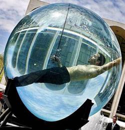 Toni no se daba cuenta pero estaba dentro de una burbuja
